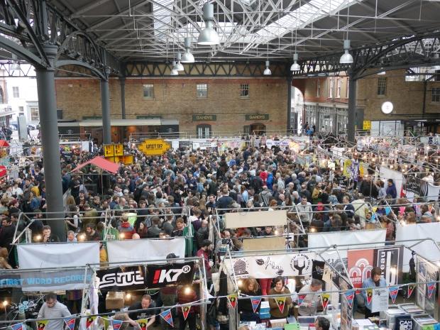 London Brewers' Market Crowd Shot Apr 2017.JPG